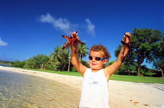 Cocomo Resort: Boy with a starfish