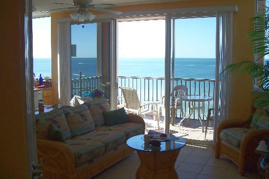 Cornerstone Beach Resort: Gulf view from the family room
