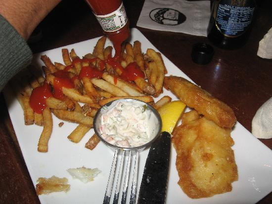 The Shebeen : We already started on the fish and chips, but I had to take a pic of the tartar sauce made from