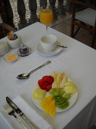 Aziza Guest House: Fruits au petit déjeuner