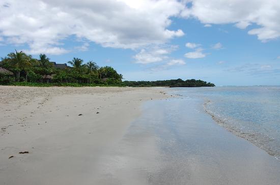 InterContinental Fiji Golf Resort & Spa: Nice beach