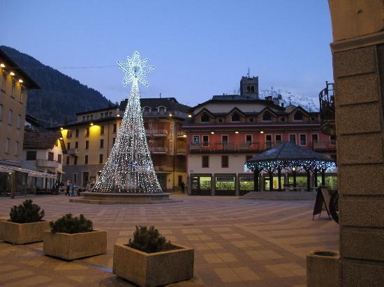 Residence Hotel Raggio di Luce: Ponte di legno centre historique 2