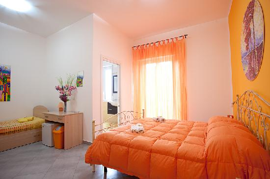 Orange Room Picture Of Bed And Breakfast L Angolo Di