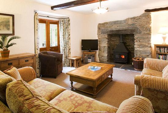 Grove Cottages on Grove Farm : Farmhouse Lounge