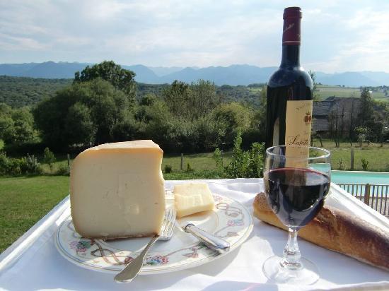 fromage de brebis et vin de madiran photo de beth soureilh coarraze tripadvisor. Black Bedroom Furniture Sets. Home Design Ideas