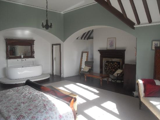Braunton, UK: The Master bedroom in the Affinity apartment