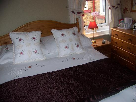 Monico Guest House: Small double