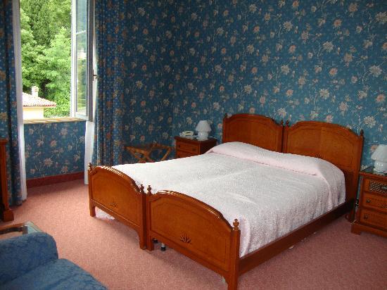 room photo de hotel villa marie tremezzina tripadvisor. Black Bedroom Furniture Sets. Home Design Ideas