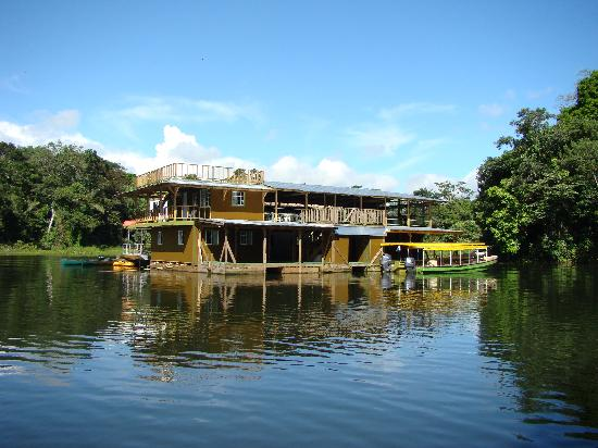 Gamboa, Panama/Panamá: Floating Lodge on the Panama Canal