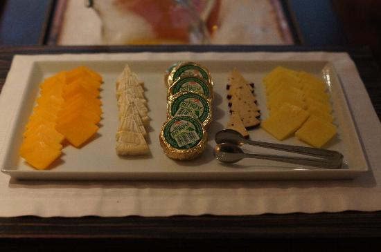 Les Suites Taipei Ching-Cheng: Breakfast - Cheese