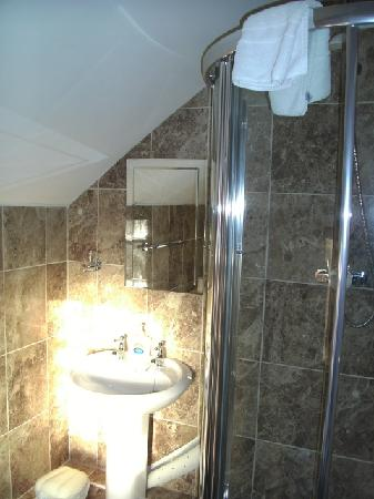 Chester Brooklands Bed and Breakfast: Bathroom