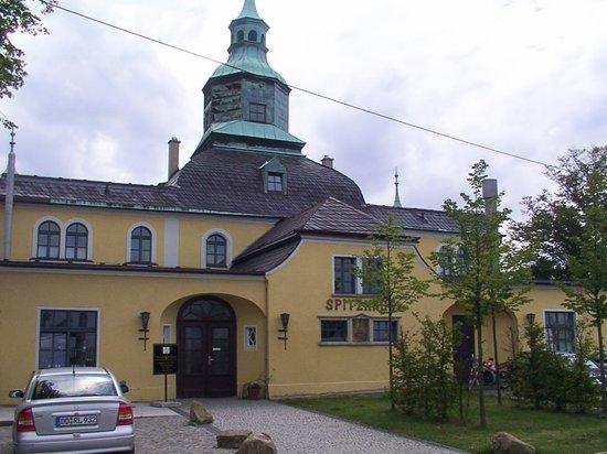 Spitzhaus, Eingang