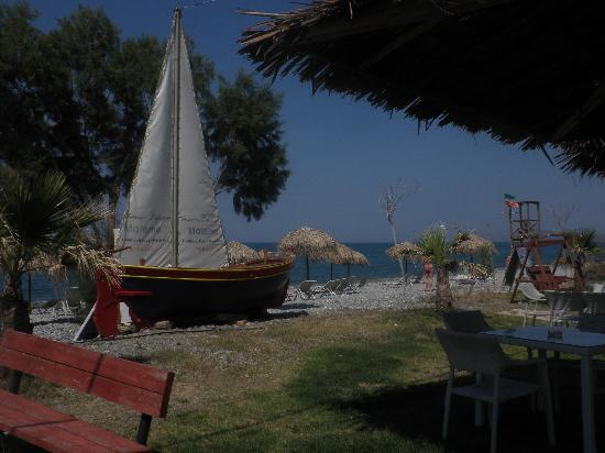 Eria Resort Hotel for Disabled People: maleme boat