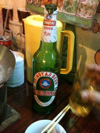 Tak Kee Noodles: Giant Beer!