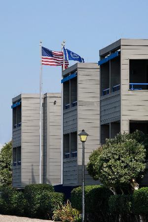 456 Embarcadero Inn & Suites: Embarcadero Inn exterior