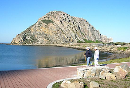 456 Embarcadero Inn & Suites: Morro Rock and the Boardwalk
