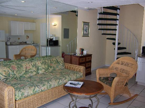 Sunrise Beach Clubs and Villas: 1 Bedroom Living Room