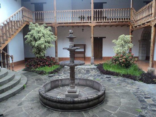 Hotel El Ingenio: Patio