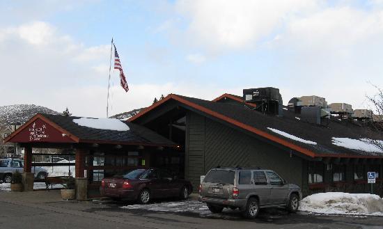 ذا بروسباكتر لودج آند كونفرنس سينتر: Prospector Square Lodge front entrance