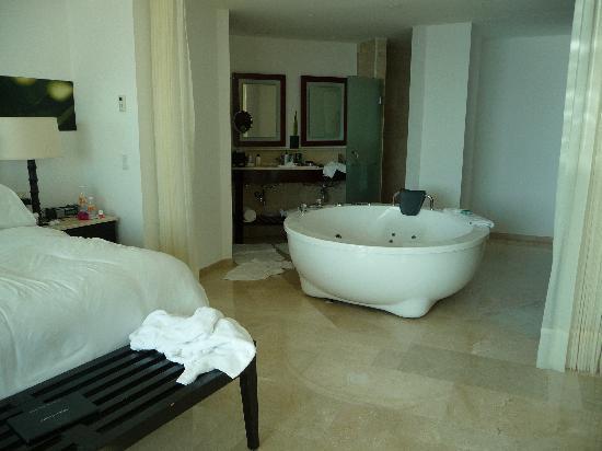 aqua suite bathroom area picture of live aqua beach resort cancun