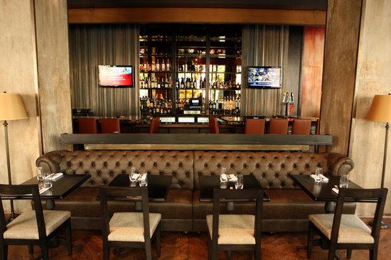 LM Bistro: Bar