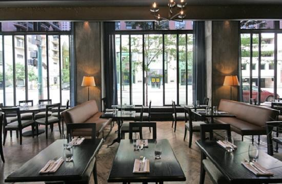 LM Bistro: Dining Room View