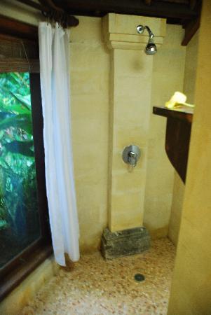 Kubu Carik Bali: Awesome shower