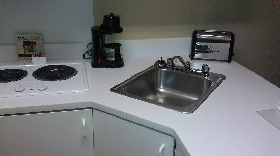 Extended Stay America - Minneapolis - Bloomington: Part of the kitchenette, basic but functional