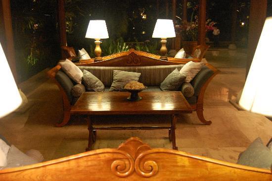 Four Seasons Resort Bali at Jimbaran Bay: Four Seasons Lobby
