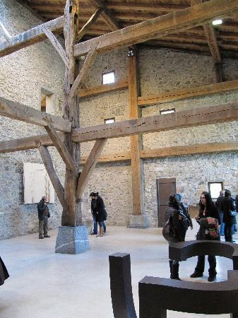 Museo Chillida-Leku: Inside the main building