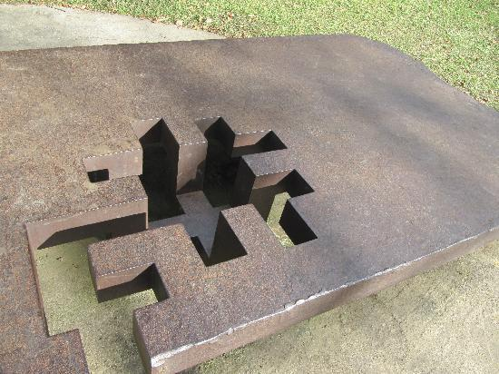 Museo Chillida-Leku: Puzzling?