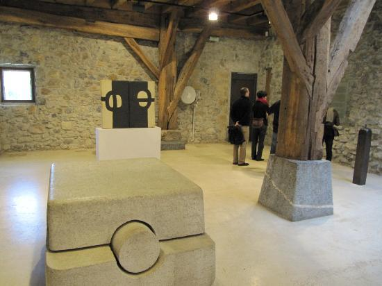 Museo Chillida-Leku: Inside the main building