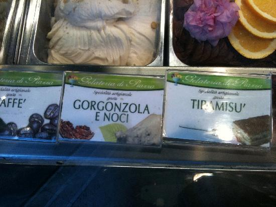 Gelateria Dondoli: Gorgonzola Ice cream