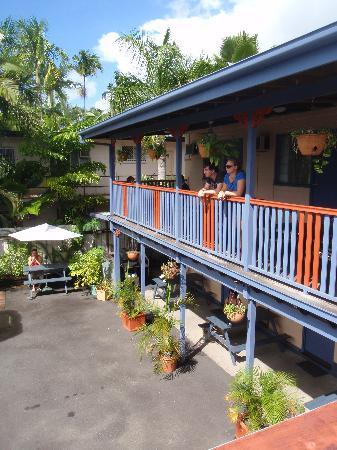 Castaways Backpackers: Our Balcony Rooms