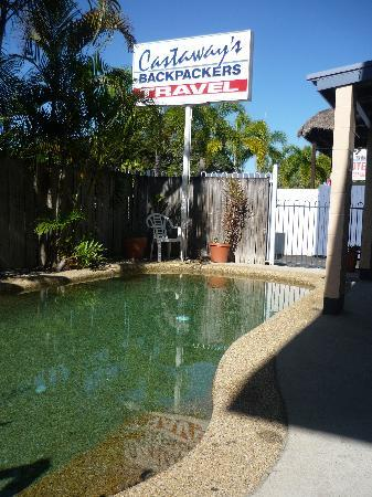 Castaways Backpackers: Our Swimming Pool
