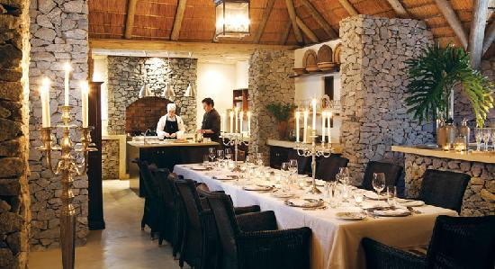Londolozi Private Game Reserve: Pioneer Interactive Kitchen