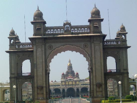 Palacio Real de Mysore: The face front of the Mysore Palace