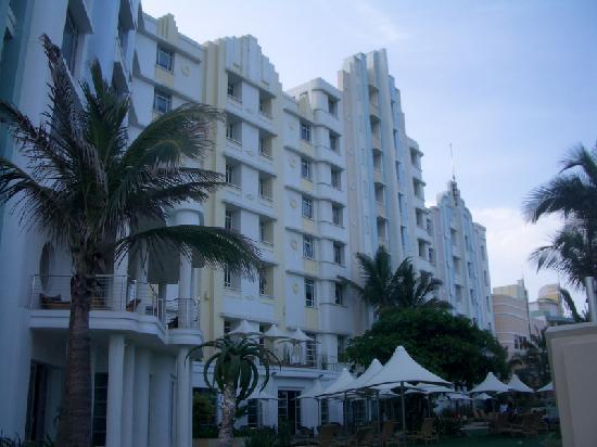 Suncoast Towers: Beach front view of hotel