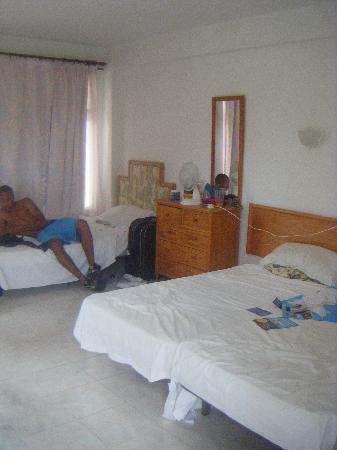 Villa Nova Apartments: the other bedroom