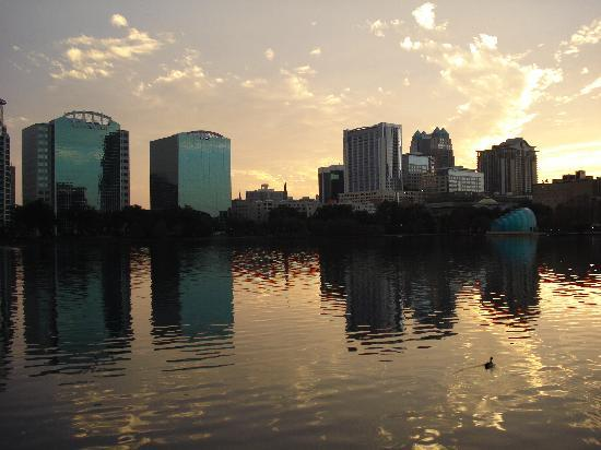 Am Lake Eola in Orlando downtown