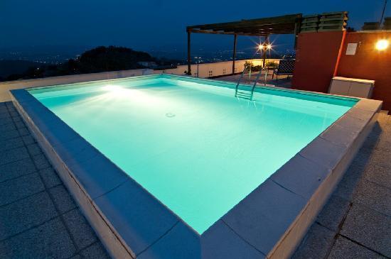 Hotel Perusia: Swimming Pool