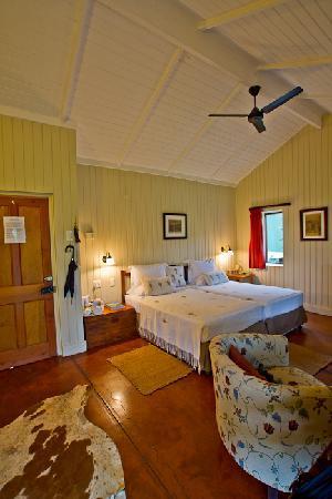 Three Tree Hill : Std bedroom