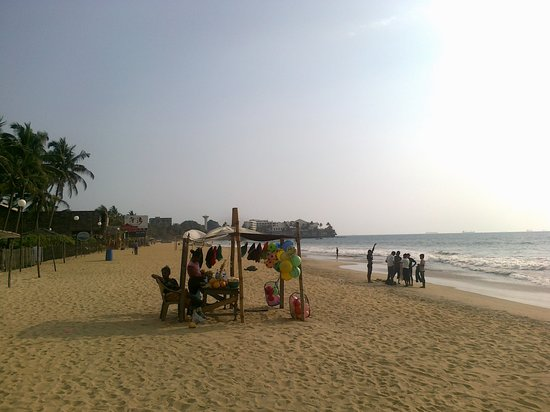 ‪Mount Lavinia Beach‬