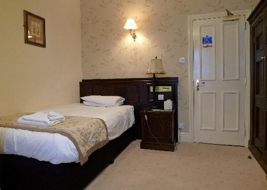 Tewkesbury, UK: My average-sized room