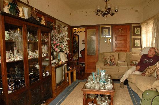 Grand House: Overal antiek, ook in zitkamer en eetkamer
