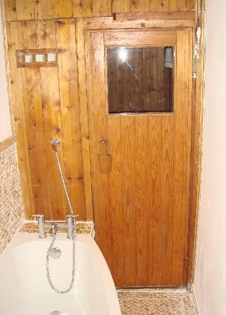 Grinzing Lodge: Sauna in en-suite