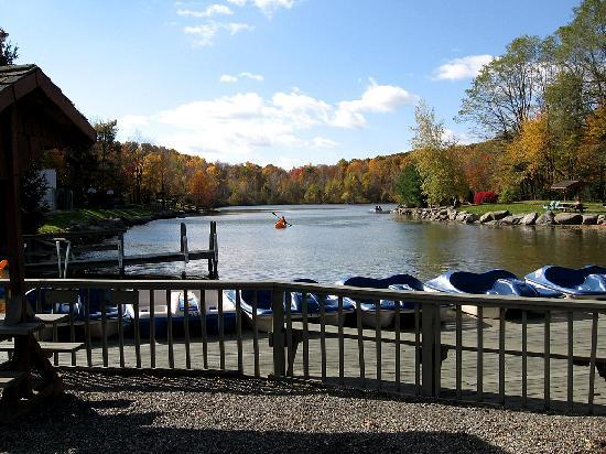 Highland, NY: Private Lake with Skiing, Banana Boats, Fishing, and more.