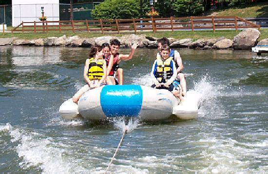Rocking Horse Ranch Resort: Family on a Banana Boat