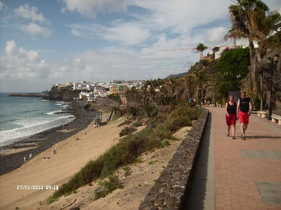 Sol Jandia Mar Apartments : The walk to Moro Jable