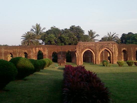 Malda, India: Adina Masjid